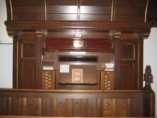 The Organ console | Stuart Billington